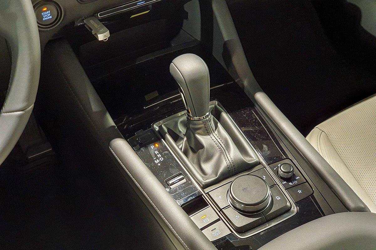 Những kỹ năng cần trang bị khi lái xe số tự động